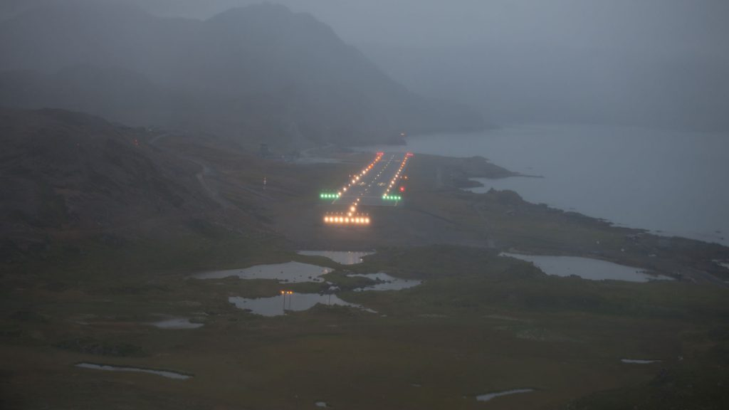 Destination Honningsvåg, most northern airfield, getting closer