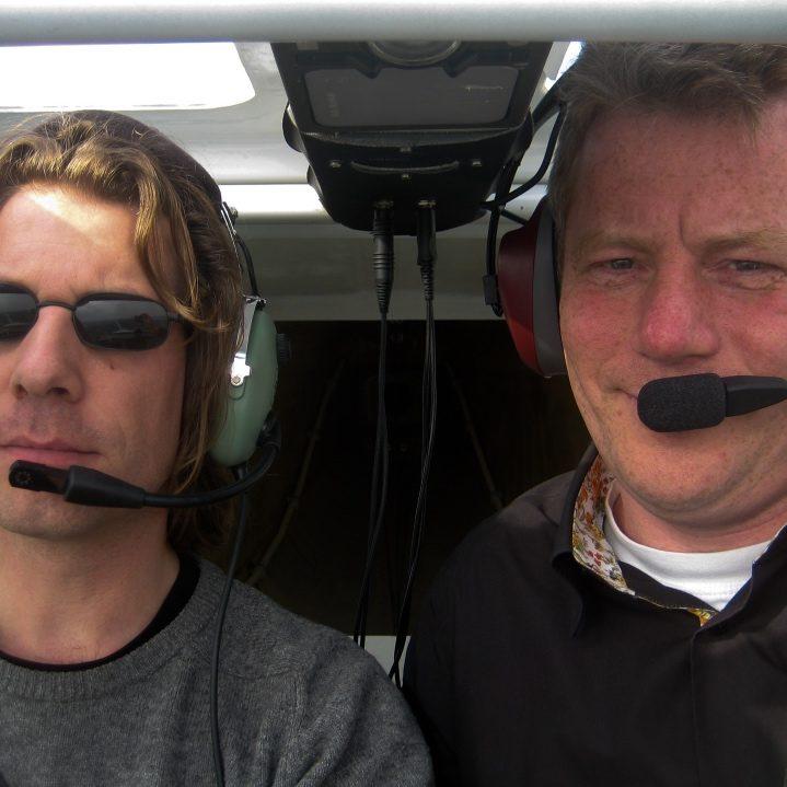 Martijn Aslander vliegt met Jeroen Komen